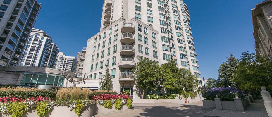 Newport Beach Condominiums at 2111 Lakeshore Boulevard West, Etobicoke