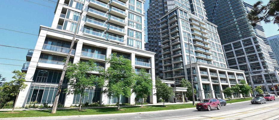 Voyager at Waterview at 2219-2221 Lake Shore Boulevard West, Etobicoke